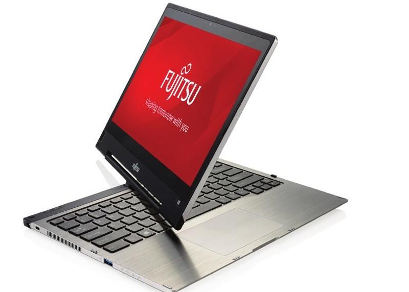 Fujitsu 2-in-1 STYLISTIC Q736 Tablet
