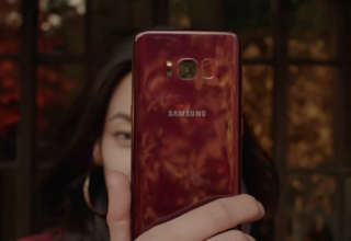 Samsung Galaxy S8 in burgundy red